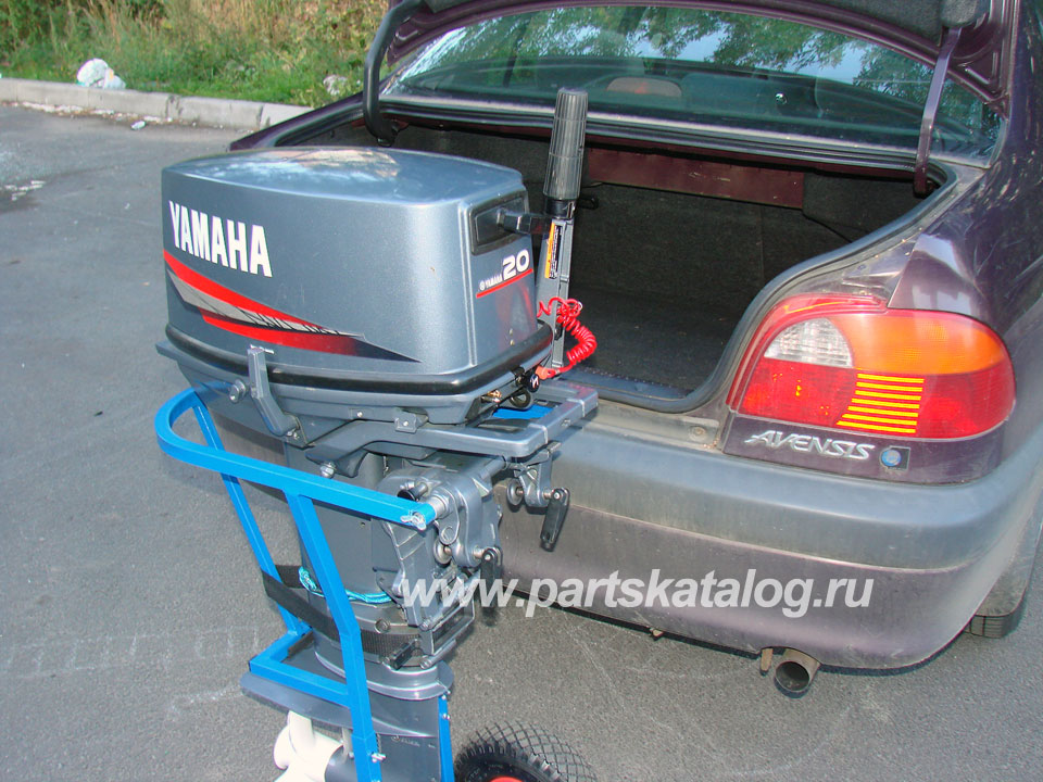 перевозка лодочных моторов в машине